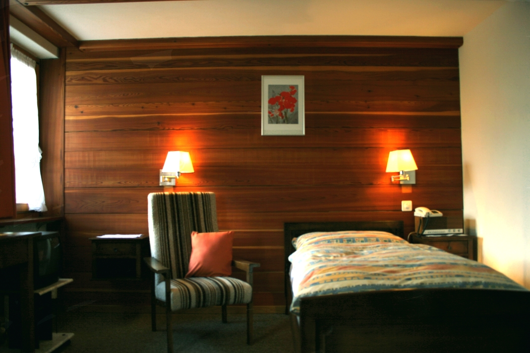Hotel Alpenblick - rooms lookup 9