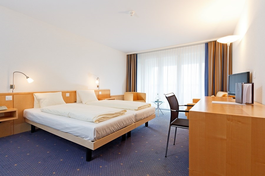 Hirschen Swiss Quality Hotel - rooms lookup 1