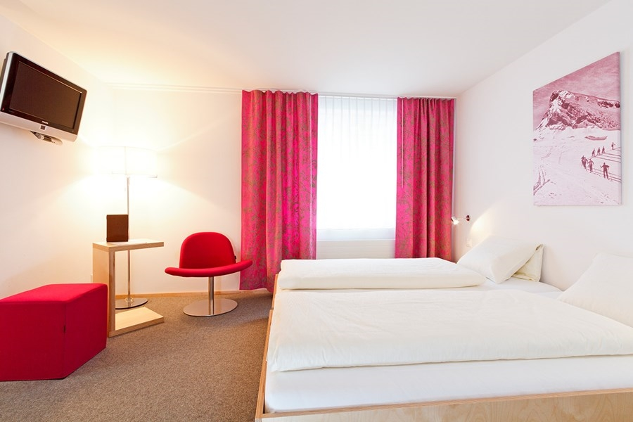 Hirschen Swiss Quality Hotel - rooms lookup 3