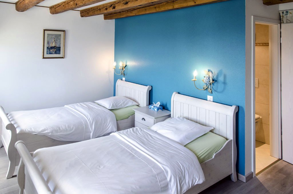 Auberge de Dully - rooms lookup 22