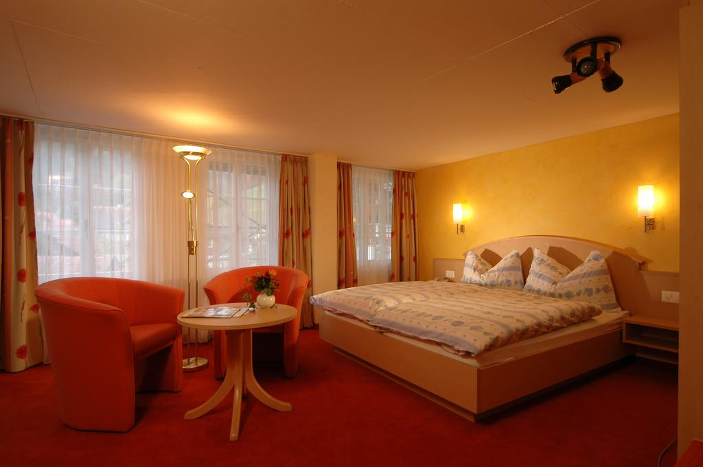 Hotel Alpenblick - rooms lookup 8