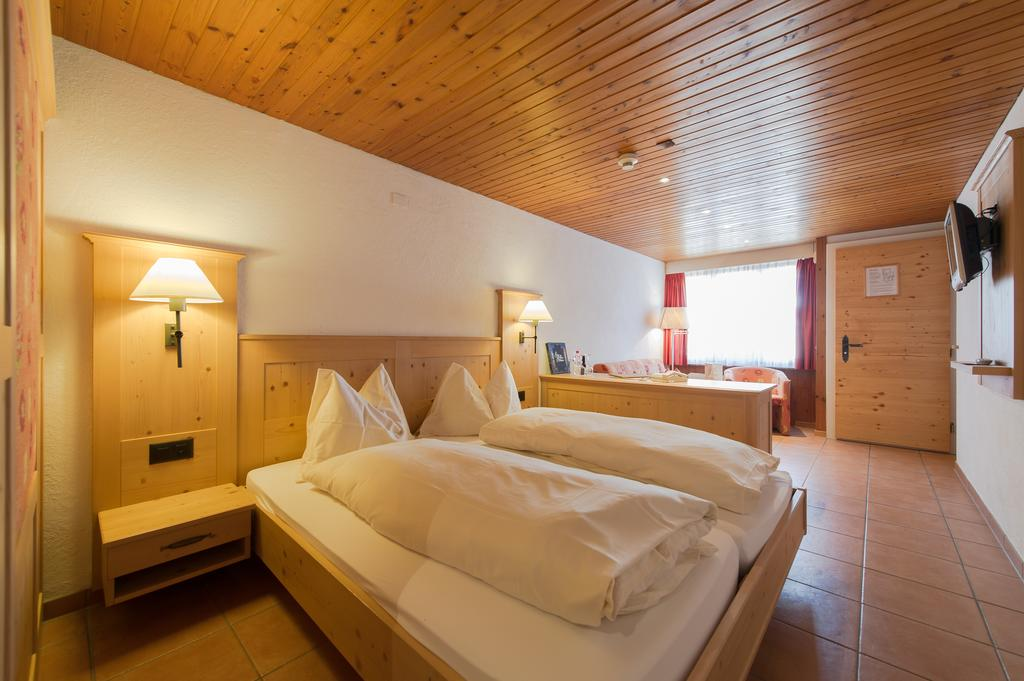 Hotel Alpenblick - rooms lookup 15